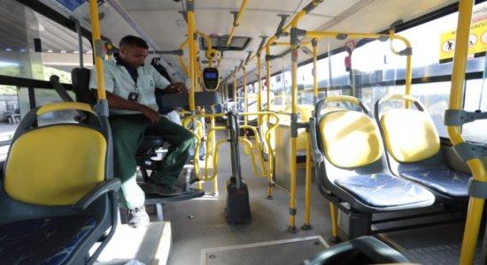 Coronavírus: movimentação fraca no transporte público do Grande Recife