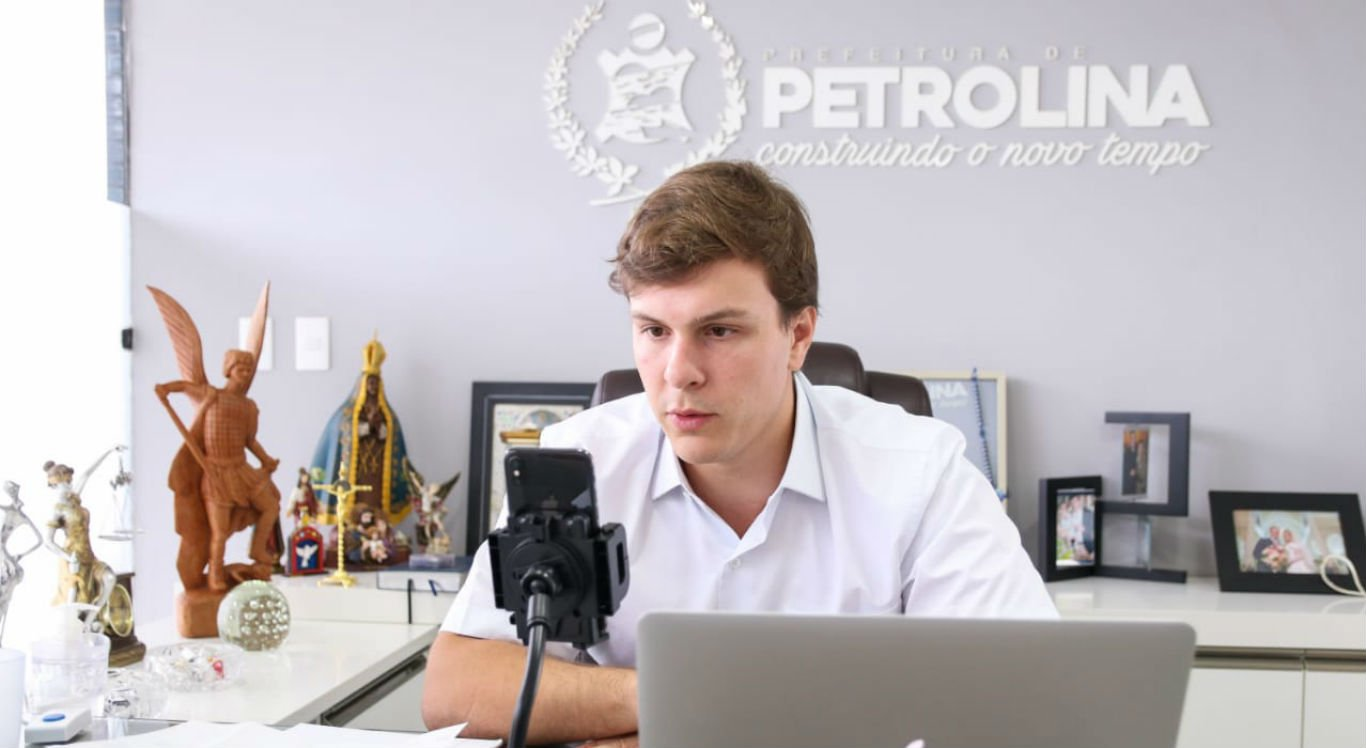 Prefeito de Petrolina, Miguel Coelho, realizou coletiva de imprensa online