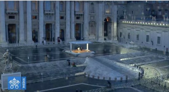 As imagens da missa do Papa Francisco chamaram a atenção dos internautas