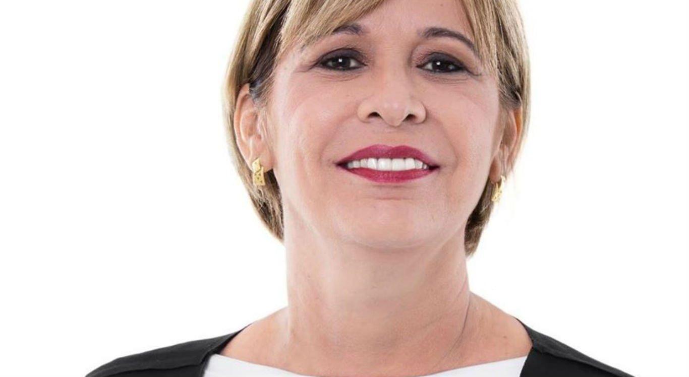 Prefeita Ana Célia cortou próprio salário