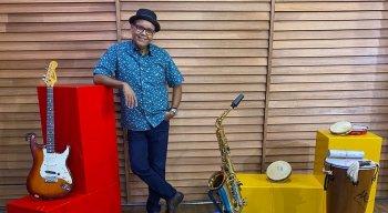 Programa especial Abraço Musical será comandado por Ciro Bezerra