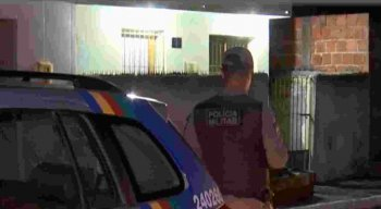 Os suspeitos queriam saber sobre um carro, que estava abandonado na rua e a polícia recolheu.