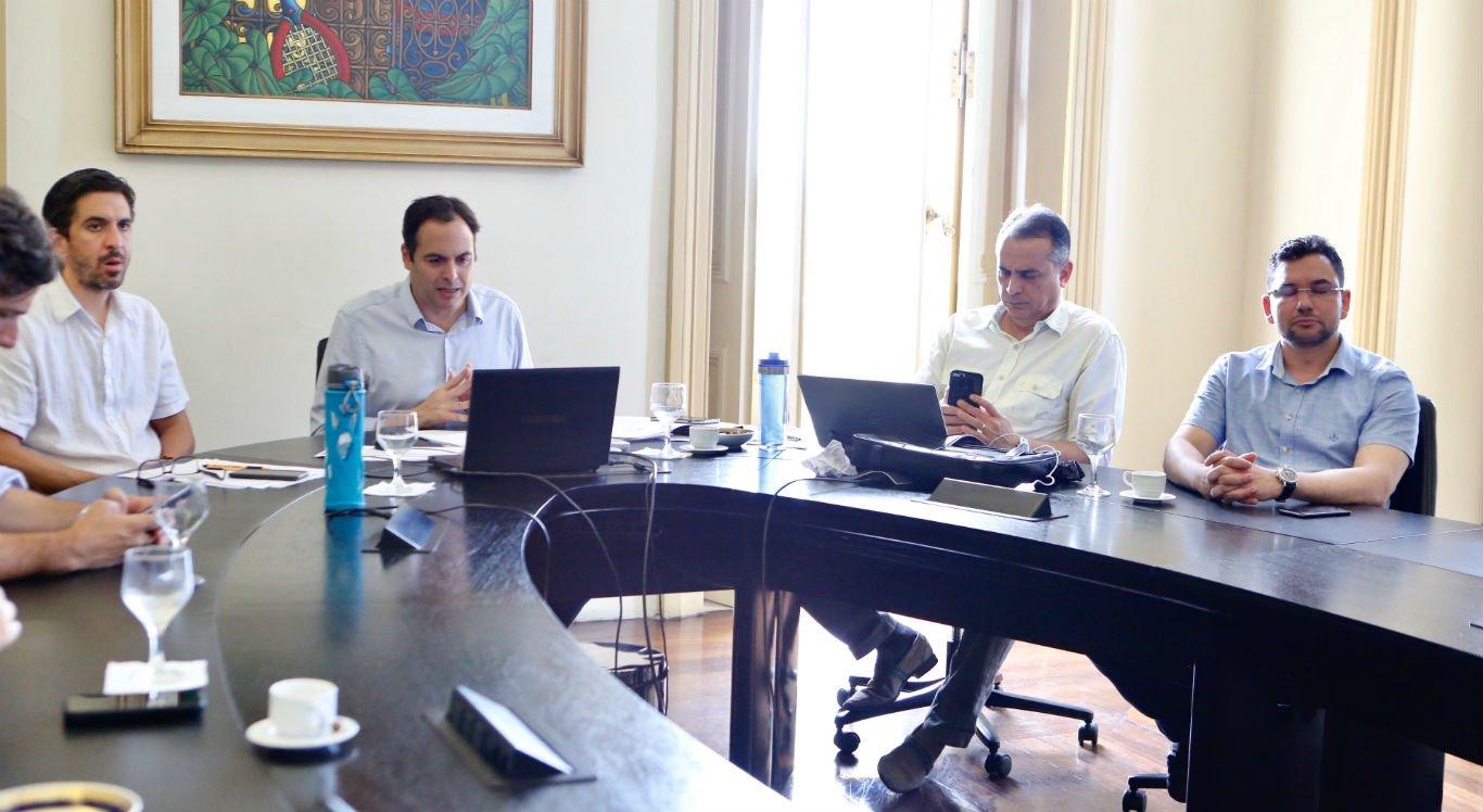 Reunião foi realizada com representantes do governo e de entidades empresariais, por videoconferência