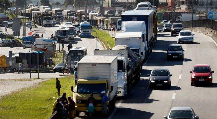Nova greve de caminhoneiros: entidade com 800 mil motoristas apoia paralisação a partir de segunda-feira