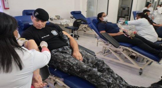 PMs doam sangue para melhorar estoques do Hemope; veja como ajudar