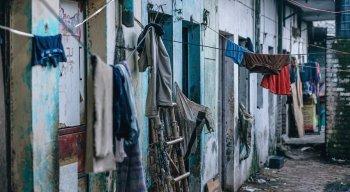 Moradores de locais mais pobres acabam ficando aglomerados em locais pequenos