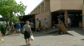 No bairro de Afogados, a reportagem encontrou muita gente pelas ruas