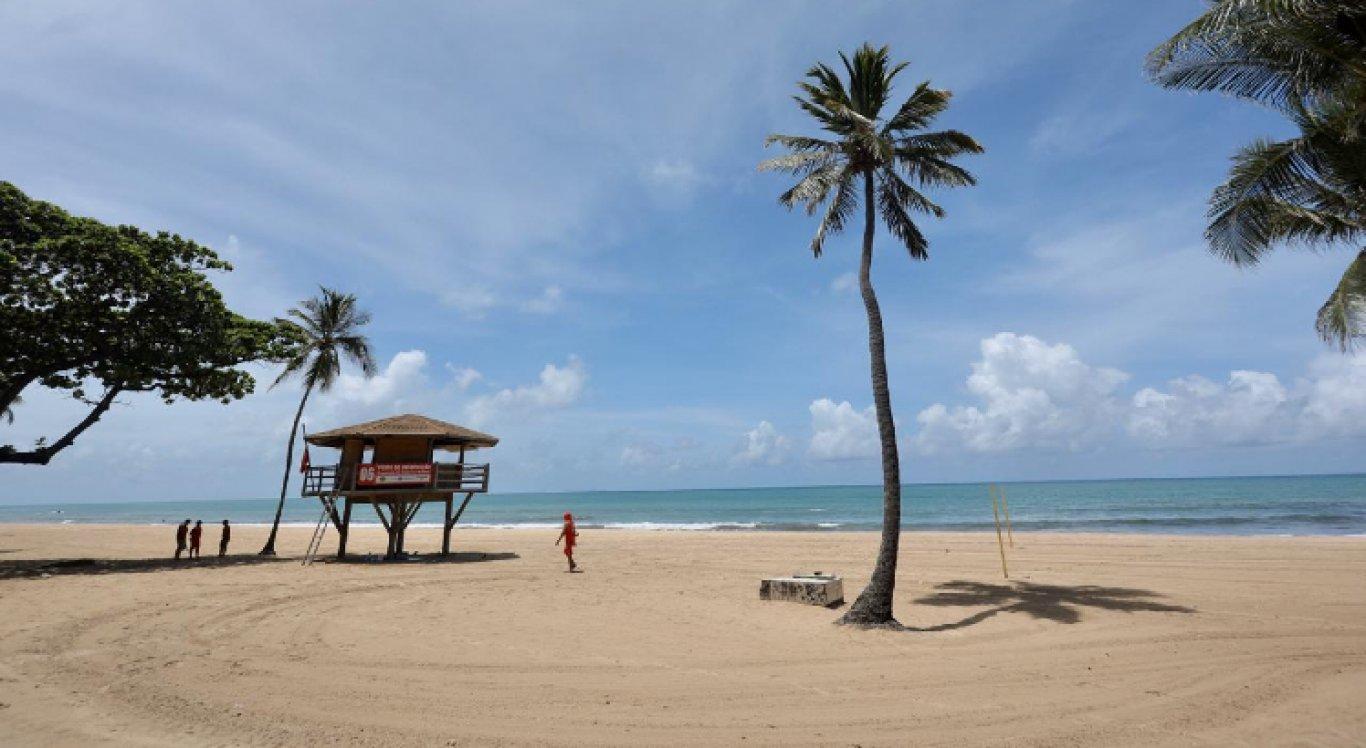 Praias e parques fechados em Pernambuco