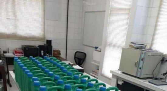 Coronavírus: Conselho de Química produz álcool 70% para doação