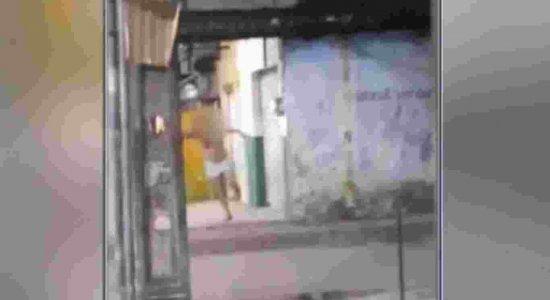 Vídeo mostra mulher grávida sendo baleada em Paulista