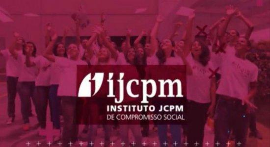 Ação do Instituto João Carlos Paes Mendonça de Compromisso Social garante cestas básicas para estudantes de projeto educacional