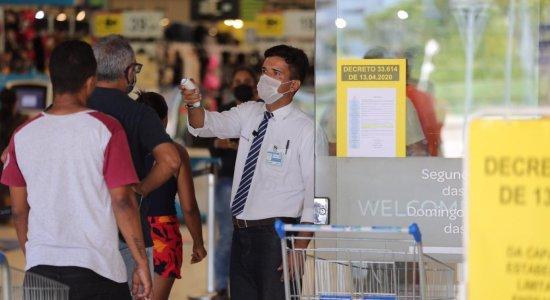 Coronavírus: Após decreto, Procon fiscaliza mercados no Recife