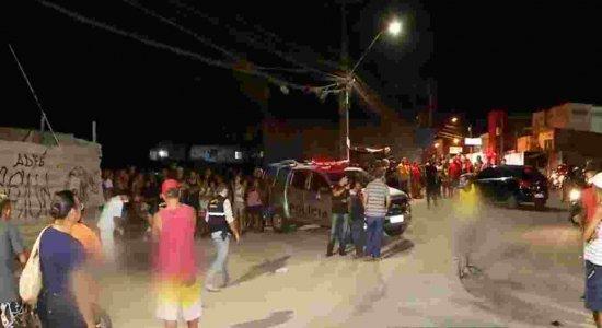 Adolescente e namorada são assassinados perto de praça na Zona Norte