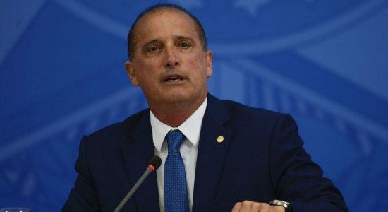 Mães adolescentes e pais solteiros receberão auxílio de R$ 600, afirma ministro da Cidadania