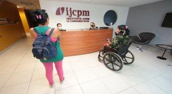 Atendimento está sendo presencial, no IJCPM, com computadores e apoio individual