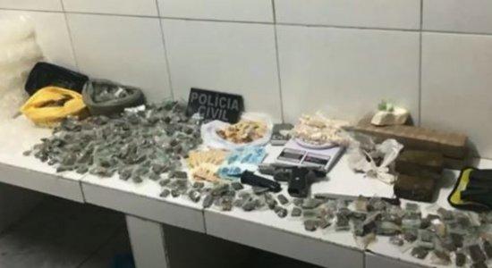 Suspeitos de tráfico de drogas, roubo e tortura são presos durante operação em Ipojuca