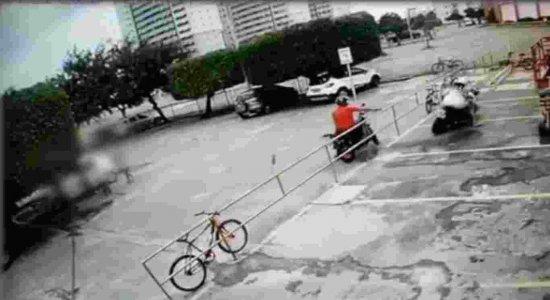 Vídeo mostra momento em que homem é morto em supermercado no Janga