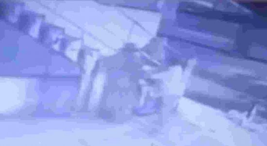 Vídeo: homem é esfaqueado durante discussão em fila de lotérica
