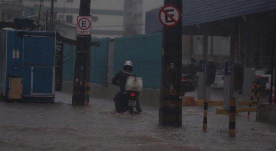APAC emite alerta de chuvas moderadas a fortes nas próximas 24 horas no Recife