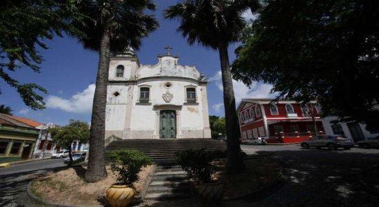 Paróquia de São Pedro celebra duas missas em homenagem à Ricardo Brennand