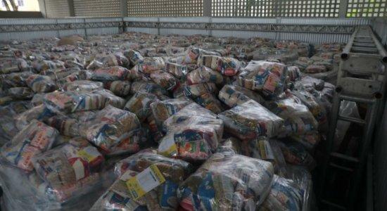 Famílias de alunos da rede pública de ensino do Recife denunciam que não estão recebendo cesta básica