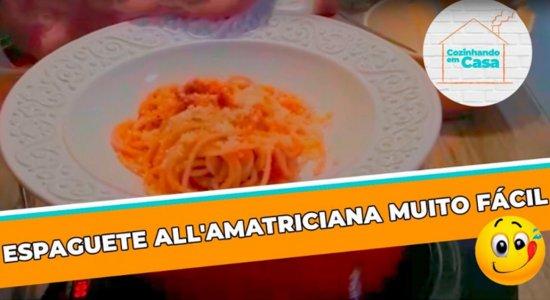 Chef Duca Lapenda mostra como fazer um espaguete all'amatriciana fácil