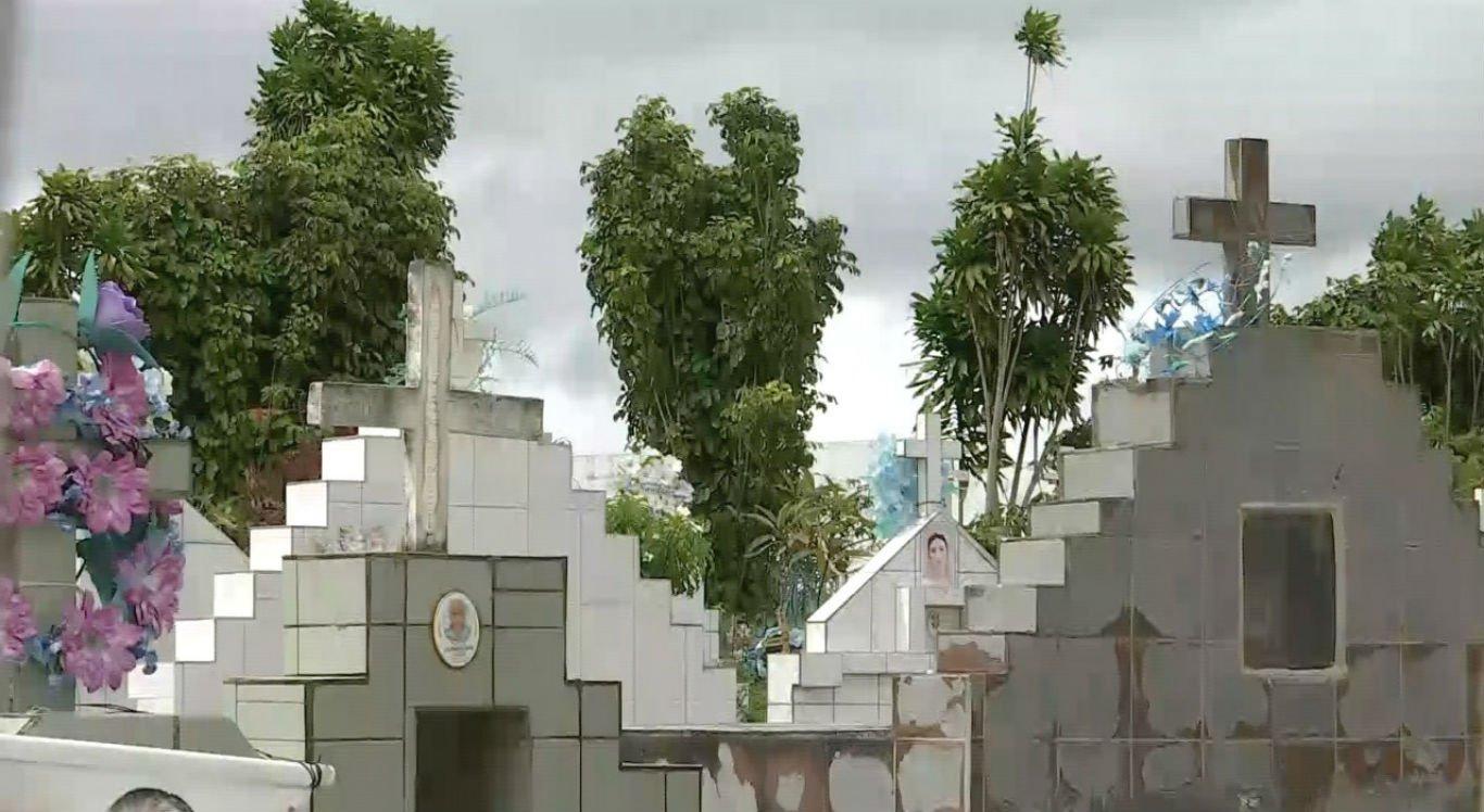 Família precisou passar pelo enterro duas vezes no cemitério de Cruzes, em Panelas