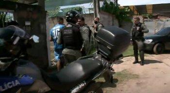 Dois suspeitos foram presos pela Polícia Militar em Jaboatão