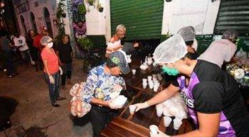 O grupo Unificados pela População em Situação de Rua pede doação de alimentos, produtos de higiene e limpeza, além de roupas