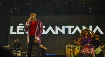 Comprovando a multiculturalidade do São João de Caruaru, Léo Santana se apresenta no Pátio do Forró