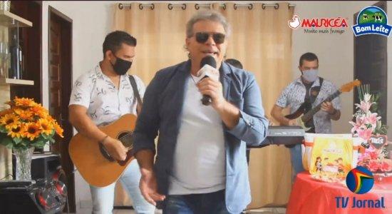 Relembre participações do cantor Augusto César na TV Jornal