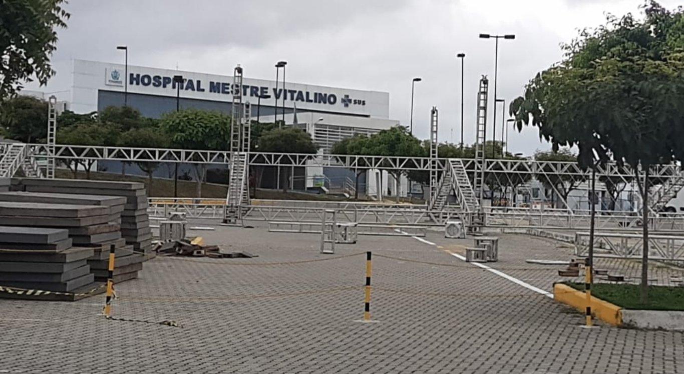 Hospital Mestre Vitalino terá hospital de campanha em seu estacionamento