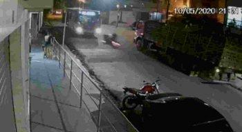 O acidente aconteceu na Avenida Uriel de Holanda
