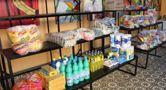 Galpão das Artes de Limoeiro garante alimentos para crianças carentes