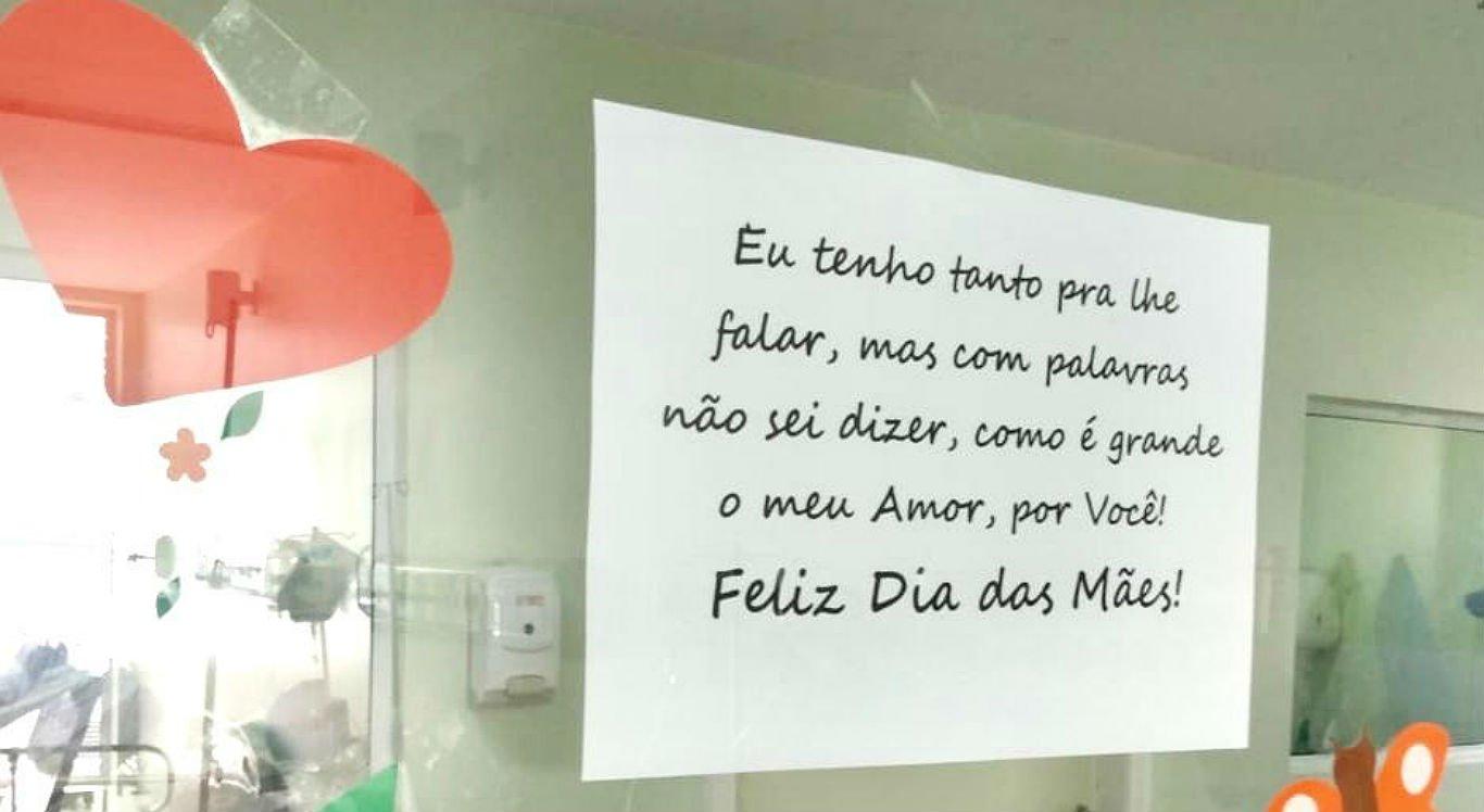 Recado de Dia das Mães foi fixado na área de isolamento do hospital