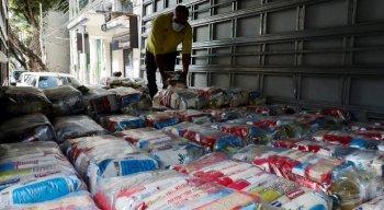 Nesta quinta, 250 cestas básicas foram doadas pela Pitu ao projeto