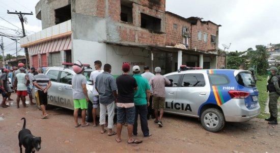 Entregador de pizza é assassinado a tiros enquanto bebia em bar, em Olinda