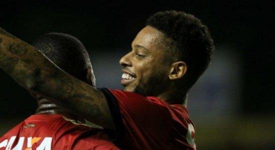 Grêmio rescinde contrato com André e jogador está livre no mercado