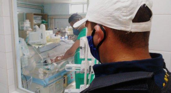 Mulher dá à luz dentro de viatura da CTTU no Recife