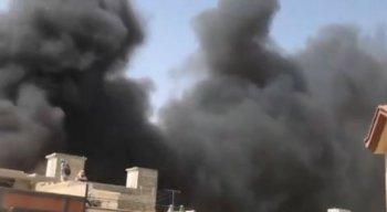 Avião caiu em Karachi, cidade mais populosa do Paquistão
