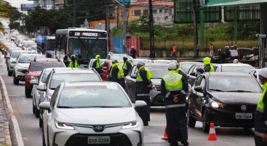 Na última semana da quarentena, Governo de Pernambuco aumenta bloqueios para fiscalização de rodízio
