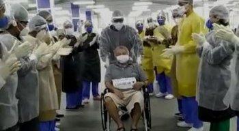 Manoel Leandro do Nascimento, de 76 anos, internado no Hospital Provisório Recife 2, foi o milésimo paciente a vencer o coronavírus nos leitos criados pela Prefeitura do Recife para a pandemia