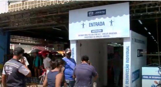 Túneis de desinfecção instalados contra o coronavírus podem não ter eficácia, aponta Anvisa