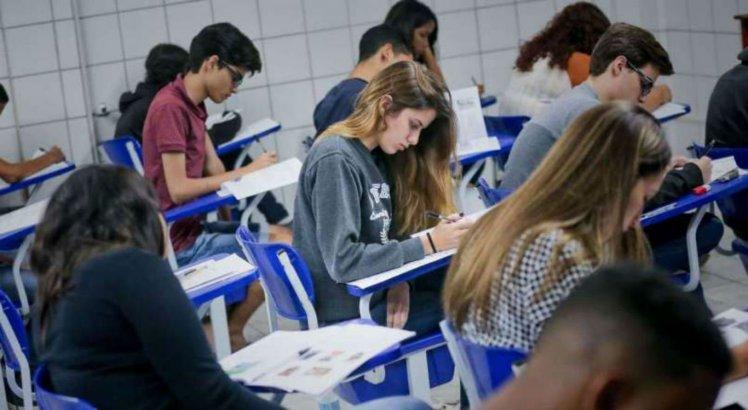 Aulas da rede pública de Pernambuco serão retomadas de forma não presencial