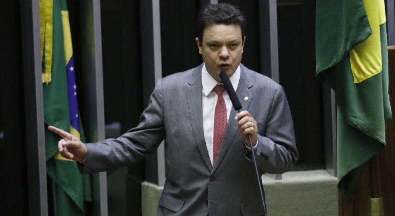 A proposta do deputado Odair Cunha tramita na Câmara