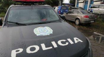 A polícia prendeu os suspeitos neste sábado (30)