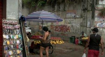 Equipe do Por Dentro com Cardinot flagrou muitas pessoas nas ruas do Grande Recife