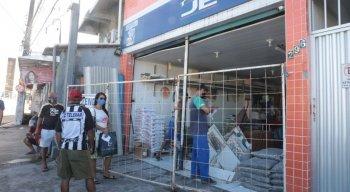 Lojas de material de construção começam a reabertura em Pernambuco