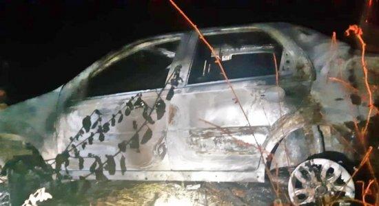 Carro estava em chamas
