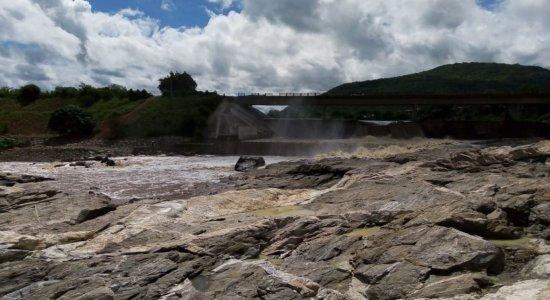 Obra na barragem de Ipanema I, em Águas Belas, é concluída